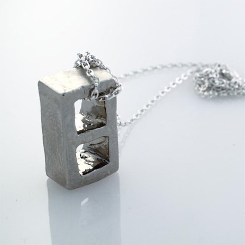 BLOCK NECKLACE